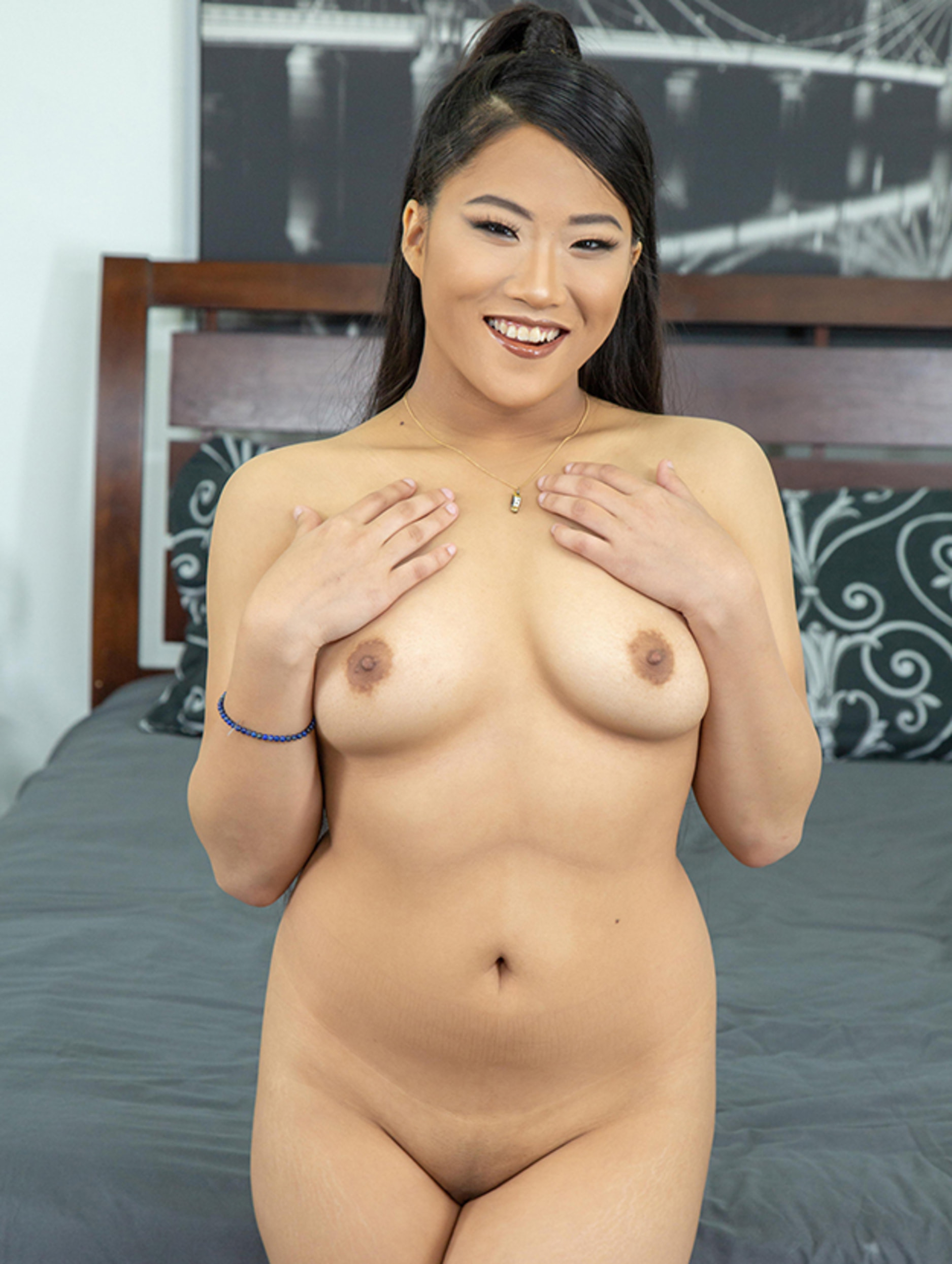 Alona Bloom